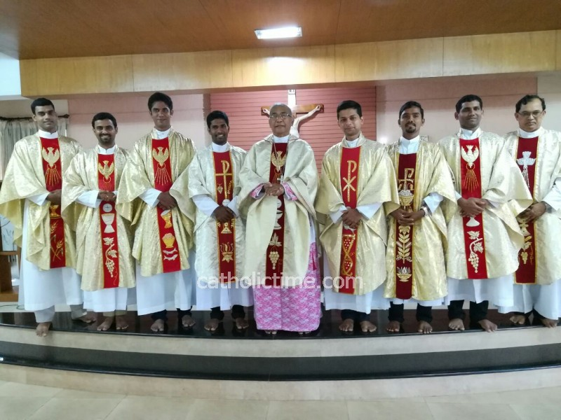 Mangaluru : Priest Should not lose Focus - said Bishop while Commissioning New Priests