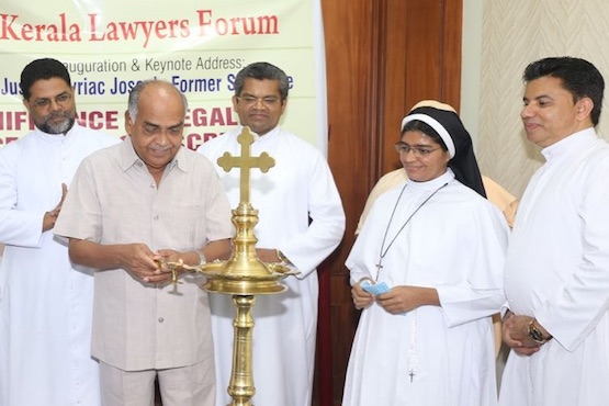 CATHOLICTIME COM - Supreme Court of India ends dispute over