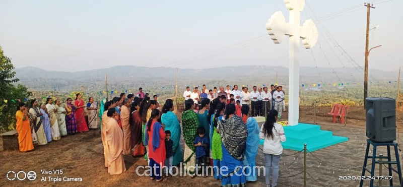Shivamogga : Our Lady of Perpetual Succour Parish, Kargal celebrates 'Exaltation of the Cross' feast